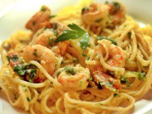 receta de espagueti con camarones