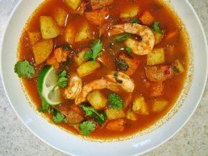 receta de caldo de camaron fresco con verduras